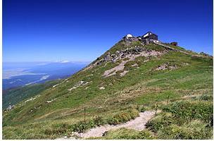 月山神社 山頂.jpg